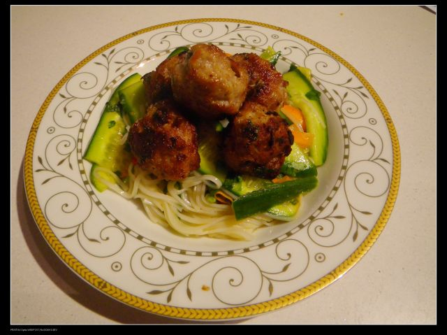 Pork balls with rice vermicelli salad